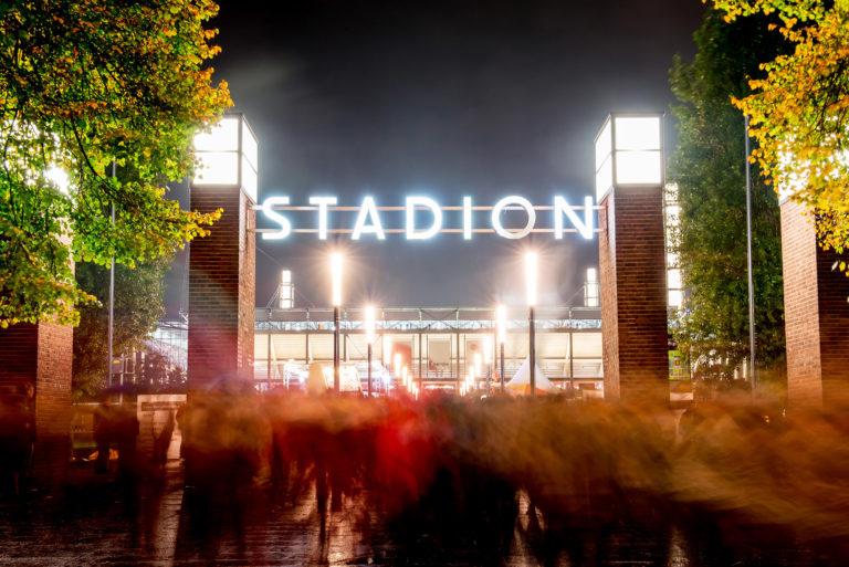 Stadion-Aussen.02